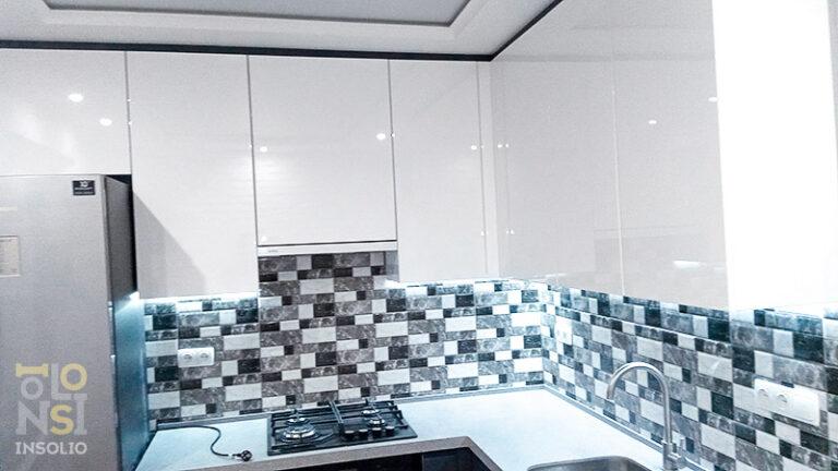 Кухня темный низ светлый верх